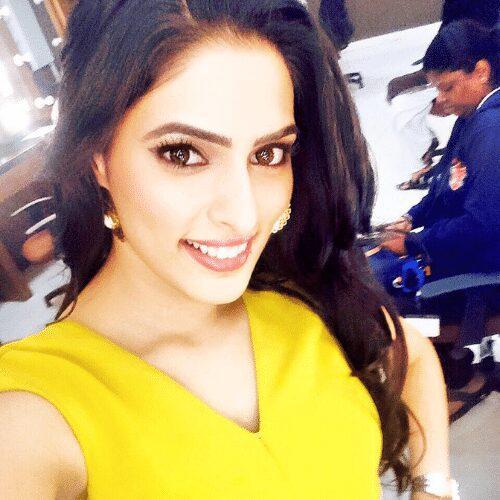 Swatti Bakshi - So Effin Cray Cast