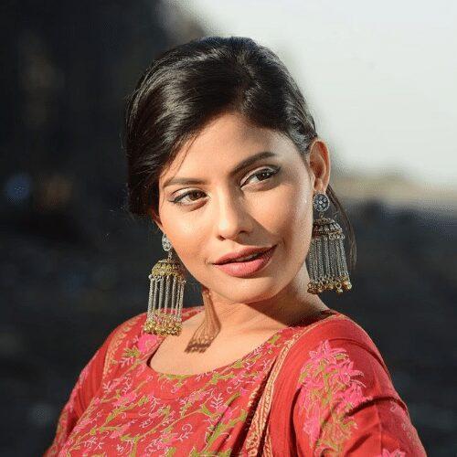 Shalini Chauhan - So Effin Cray Cast